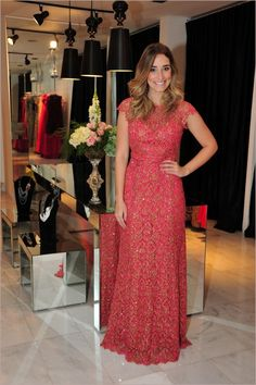 Paula Guimarães linda neste Pink rendinha