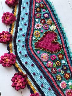 Www.omslagdoekhaken.nl Pattern available Www.crochetshawl.com Polleviewrap
