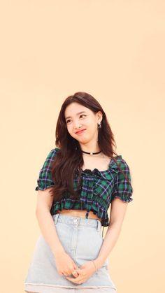 Kpop Girl Groups, Korean Girl Groups, Kpop Girls, Kpop Fashion, Korean Fashion, Kpop Hair, Queen Pictures, Nayeon Twice, Twice Kpop