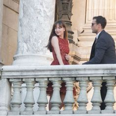 Jamie Dornan et Dakota Johnson, à Paris, comblent les fans de Fifty Shades