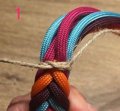 Diamantknoten am Leinenabschluss | Swiss Paracord GmbH Paracord Dog Leash, Swiss Paracord, Paracord Projects, Dog Accessories, Jewelry Crafts, Knots, Diy And Crafts, Weaving, Crochet