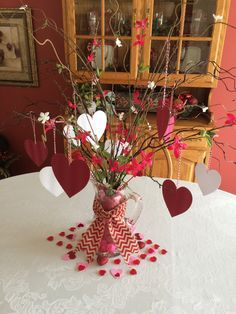 Cute flowers and hearts in a vase idea