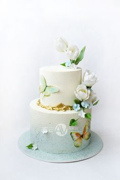 The first wedding cake of this spring turned out so tender and airy Cupcake Party, Cupcake Cookies, Beautiful Wedding Cakes, Beautiful Cakes, Beautiful Things, Tulip Cake, Butterfly Cakes, Painted Cakes, Just Cakes