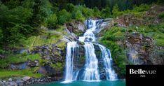 Kraftort, Naturspektakel und im Sommer vor allem Abkühlung: Diese Schweizer Wasserfälle ziehen Ausflügler in ihren Bann. Waterfall, Outdoor, Swiss Alps, Beautiful Places, Summer Recipes, Nature, Traveling, Outdoors, Rain