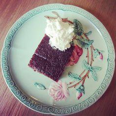 {THE ENDO DIET DIARIES} : Chocolate Slab Cake