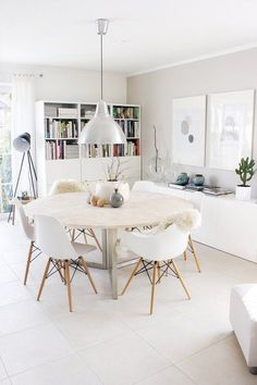 Well design modern dining room design ideas 00027 ~ Home Decoration Inspiration Esstisch Design, Dining Room Inspiration, Furniture Inspiration, Dinning Table, Round Dining, Ikea Round Table, Dining Area, Table Seating, Dining Room Design