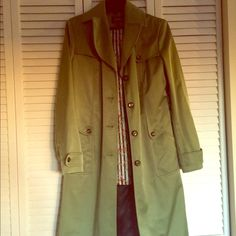 🦃 sale 🦃 Cole haan trench coat Gently used, some stray pen marks near pocket. Great for cool fall days and breezy winter days, great insulation. Cole Haan Jackets & Coats Trench Coats