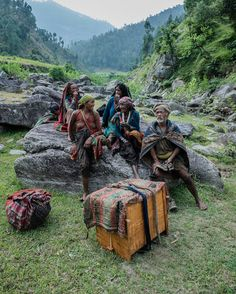 Photographer Documents the Last Hunter-Gatherer Tribe of the Himalayas - My Modern Met
