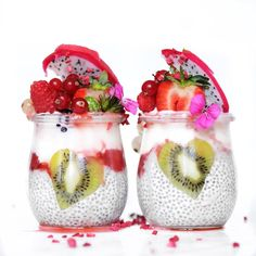 """""""When someone shares something of value with you, and you benefit from it, you have a moral obligation to share it with others."""" – Chinese proverb Well, I' m sharing. Heathy Drinks, Healthy Smoothies, Smoothie Recipes, Coconut Chia Pudding, Chocolate Chia Pudding, Dragon Fruit Pitaya, Homemade Popsicles, Raw Vegan Recipes, Food Crafts"""