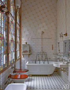 Super art nouveau home interior design stained glass ideas Aesthetic Rooms, Dream Home Design, Dream Rooms, Bathroom Interior, Art Deco Bathroom, Dyi Bathroom, Bathroom Trends, Bathroom Designs, Small Bathroom