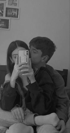 Cute Couples Photos, Cute Couple Pictures, Cute Couples Goals, Friend Pictures, Cute Photos, Teen Couples, Couple Pics, Couple Goals Relationships, Relationship Goals Pictures