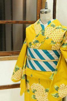 Traditioneller Kimono, Kimono Japan, Kimono Outfit, Kimono Fabric, Kimono Fashion, Traditional Japanese Kimono, Japanese Geisha, Modern Kimono, Kimono Design