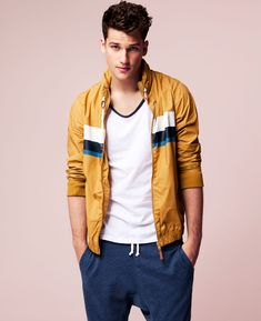 Arthur Sales by Ignacio Lozano For Pull & Bear
