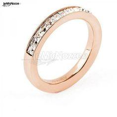http://www.lemienozze.it/operatori-matrimonio/gioielli/esposito-gioielli/media/foto/19 Gioielli per il matrimonio: anello in acciaio ramato
