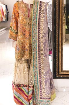 Shadi Dresses, Pakistani Formal Dresses, Pakistani Dress Design, Indian Dresses, Pakistani Fashion Party Wear, Pakistani Wedding Outfits, Bridal Outfits, Bollywood Fashion, Stylish Dresses For Girls