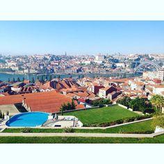 Great view! Sunny days are glorious  #sangriatime #vsco #vscocam #yeatmanhotel #portugaldenorteasul #porto by saturnineindetails