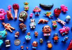 にじ画廊10周年企画 『こまいもん展』 ~デハラユキノリのこまいオブジェ達~。