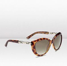 to die for! Ray Ban Sunglasses Outlet, Oakley Sunglasses, Jimmy Choo Men, Jimmy Choo Sunglasses, Summer Shades, Round Frame Sunglasses, California Style, Street Style Women, Eyewear