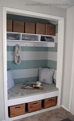 30 Organized Inspiring Small Mud Rooms Entry Areas Entryway Closetcloset Benchfront