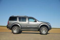 Nissan Pathfinder Bigfoot