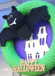 DIY Bat Crochet Wreath for Halloween