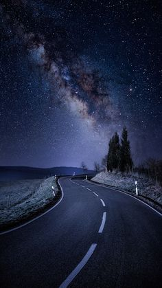 Wallpaper Iphone - Starry Night Road Galaxy Stars iPhone Wallpaper - iPhone Wallpapers - Wallpaper World Beautiful Nature Wallpaper, Beautiful Landscapes, Beautiful Sky, Beautiful Scenery, Beautiful Images, Phone Backgrounds, Wallpaper Backgrounds, Iphone Wallpapers, Mobile Wallpaper