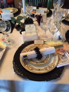 Table Setting From The Titanic Table Settings Titanic Dinner Party In 2019 Table