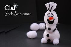 Do You Want To Build a Snowman? {Olaf Sock Snowman Tutorial from Disney Frozen Olaf, Disney Frozen Party, Frozen Birthday Party, Birthday Games, Crafts For Teens To Make, Christmas Crafts For Kids To Make, Kids Crafts, Diy And Crafts, Easy Crafts