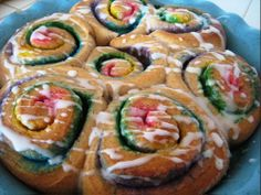 Click Pic for  50 St Patricks Day Food Ideas - Rainbow Breakfast Rolls
