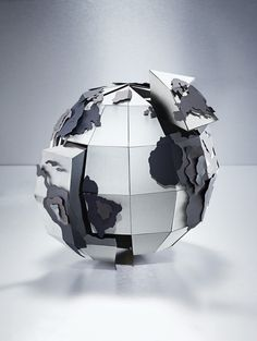 Working for legendary photographer Andrew Barter, we created an intricate puzzle in the shape of a globe for Freshfield's 2012 promotional campaign. The puzzle pieces slot together to form a complete globe, with each section supporting a country.