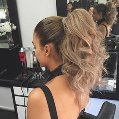 22 Easy Ponytail Hairstyles for that Sophisticated Vibe #diy #easy #forprom #ponytailhairstyles #tutorial #wedding