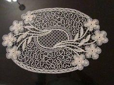 dantel anglez ile yapılmış çiçek motifli çeyizlik örtü – Örgü Dantel ve El işleri Sitesi