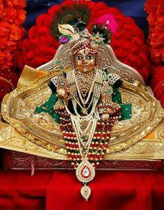 Lord Krishna Images, Radha Krishna Pictures, Jai Shree Krishna, Krishna Radha, Thread Jewellery, Beaded Jewelry, Janmashtami Decoration, Laddu Gopal Dresses, Bal Gopal