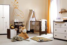 Mobilati intreaga camera a copilului cu mobila Klups Safari Giraffe. Acest model ii va placea foarte mult celui mic, dar si dumneavoastra. Mobilierul contine: patut, dulap cu sertar, comoda de infasat si saltea. Toate aceste piese sunt disponibile la pretul de: 1.986 RON! #magazinulmamicilor #mobilier #baby http://goo.gl/7MkdUj
