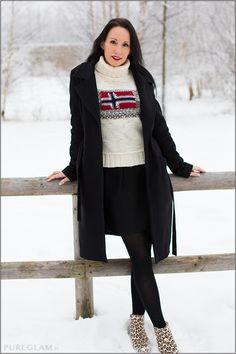 #fashion #fashionista Blog München - Winter Outfit im Schnee - Hugo Boss Mantel, Wolford Strumpfhose