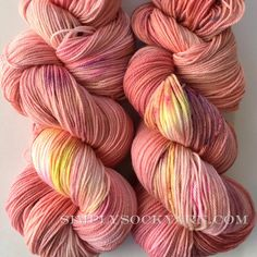 PY Sophia MCN Just Peachy - Yarn Thread, Just Peachy, Sock Yarn, Things To Do, Knitting, Crochet, Things To Make, Tricot, Breien
