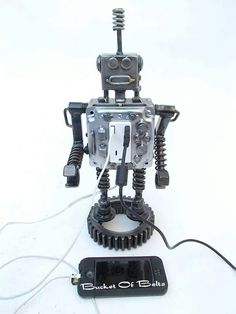 Re-Scape BizScape  Scott Evans of Bucket of Bolts created this amazing little functioning robot!