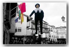 Grandes, muy grandes las fiestas de Villanueva de la Vera y su Peropalo y mas grandes todavia son sus gentes. Muy acogedores.