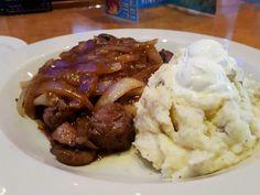 American Times |   Crock Pot Beef Tips & Gravy