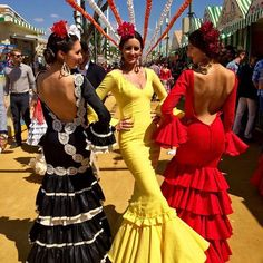 The Last Days of Seville's Feria De Abril Spanish Dress, Spanish Dancer, Spanish Style, Flamenco Dancers, Flamenco Dresses, Flamenco Costume, Dance Dresses, Dance Costumes, Mode Lookbook