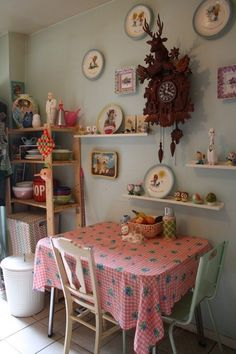 Amy & Keith's Candy-Coated Dollhouse House Tour   Apartment Therapy