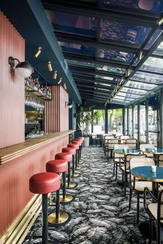 Take your indecisions and see better ideas of decorating your restaurant ! Interior design trends to decor your restaurant! Restaurant Design, Restaurant Bar Stools, Decoration Restaurant, Deco Restaurant, Restaurant Ideas, Industrial Restaurant, Restaurant Interiors, Hotel Decor, Winter Garden Restaurant