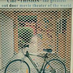 #worldsbestoutdoorscinema #summer #outdoors #movies #bikephoto #bicycle #cinema #outdoors#thision #cinethision