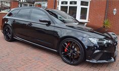 Even shines in the darkest colors All black Audi RS6 pic @mrcargenie ---- oooo #audidriven - what else ---- . . . . #Audi #RS6 #AudiRS6 #blackRS #quattro #4rings #igersvienna #allblack #AudiSport #v8 #drivenbyvorsprung #black #biturbo #audiaustria #audirsperformance #carsbyaudisport #blacklist