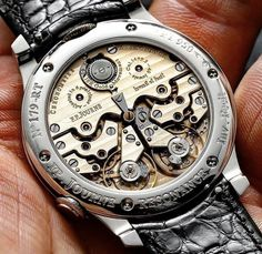 Cool Watches, Watches For Men, Animals Name In English, Skeleton Watches, Telling Time, Men's Grooming, Mechanical Watch, Breitling, Luxury Watches