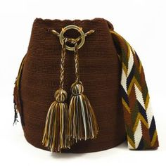 African Crafts, Craft Markets, Tapestry Crochet, Trendy Accessories, Knitted Bags, Cowgirls, Handmade Bags, Leather Working, Everyday Outfits