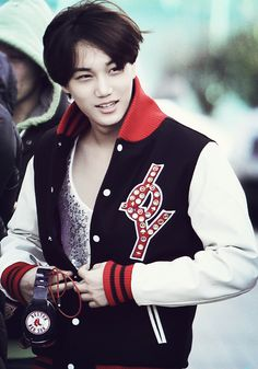 Kai + versaty jacket = extreme nose bleed DOES ALL HOTTIES WEAR THEM????