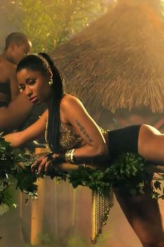 Everything Nicki Minaj Wore (Or Didn't Wear) in 'Anaconda' | Entertainment Tonight