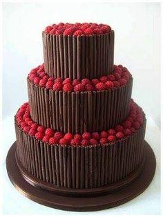 Tarta de chocolate con fresas :D