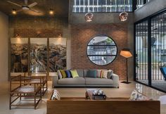Galería de Clay Roof House / DRTAN LM Architect - 7